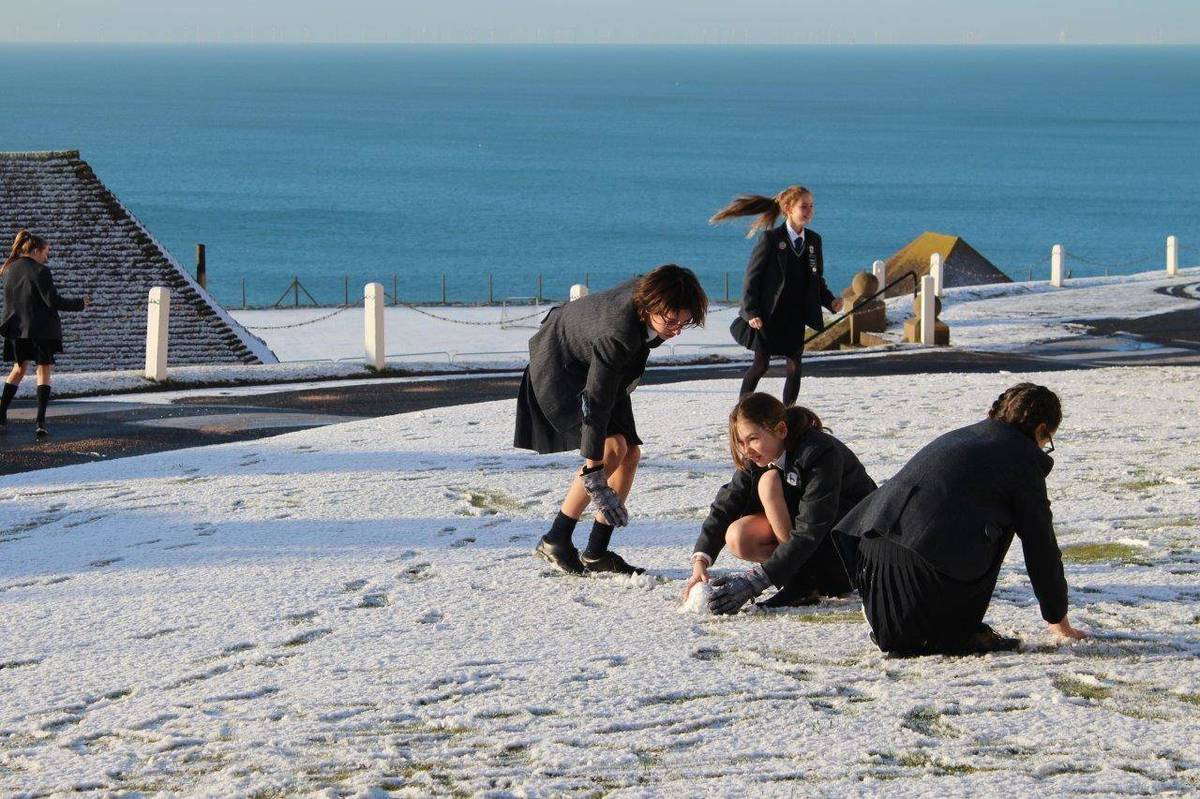 Roedean enjoys waking up to snow