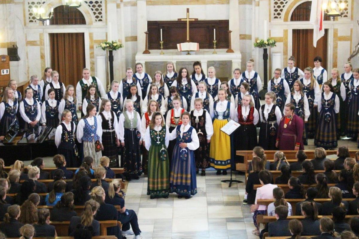 Choristers from Bodø come to Roedean